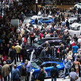 """Ô tô """"gánh"""" thuế, phí các hãng xe sang liên tục than phiền"""