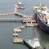 """Bịt """"lỗ hổng"""" chính sách, sửa chênh lệch thuế xăng dầu nhập khẩu"""