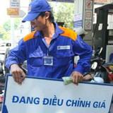 """Giá xăng dầu qua kỳ điều chỉnh vẫn """"án binh bất động""""?"""