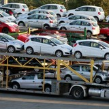 Thị trường 24h: Vì sao ô tô Ấn Độ giá rẻ ồ ạt vào Việt Nam?
