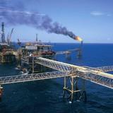 """PVN nói gì về việc mất trăm tỷ vì bán dầu thô """"giá rẻ"""" sang Trung Quốc?"""