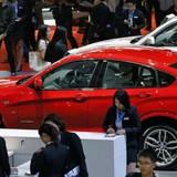 Thị trường tuần qua: Ô tô nhập khẩu bất ngờ tăng giá mạnh