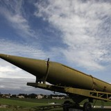 Vũ khí nguyên tử: Ai che giấu, ai minh bạch thông tin?