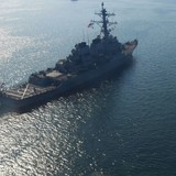 Tàu Mỹ và Ukraine chạm trán hai tàu của Nga ở Biển Đen