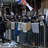 Người biểu tình Nga ném đá và trứng vào Đại sứ quán Thổ Nhĩ Kỳ tại Moscow