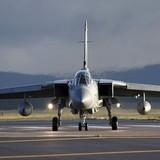 Luân Đôn chặn máy bay Nga thâm nhập không phận Anh
