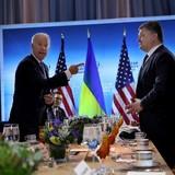 Forbes giải mã bí mật tâm trạng chống Nga trong truyền thông Ukraine