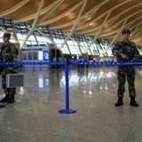 Kích nổ quả bom giấu trong chai bia, kẻ khủng bố sân bay Thượng Hải tự sát không thành