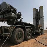 """S-400 của Nga sẽ bảo vệ Crimea khỏi """"các côn đồ trên không"""" của NATO"""