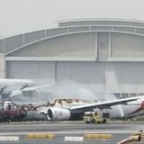 Phi cơ của hãng Emirates bốc cháy khi tiếp đất