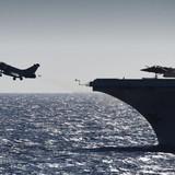 Chiến đấu cơ Pháp xuất kích từ hàng không mẫu hạm giáng những đòn sấm sét xuống quân IS