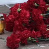Những kẻ cực đoan ném bỏ hoa dân Odessa đặt tưởng niệm nạn nhân Tu-154