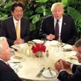 Vì sao Phu nhân Thủ tướng Nhật tránh nói tiếng Anh với ông Trump?