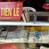 Tài chính 24h: Nở rộ buôn bán tiền lẻ trái phép, dùng hỗn hợp vàng bột để qua mắt hải quan