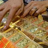 Giá vàng SJC chạm mốc 33 triệu đồng/lượng