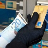 Tài chính 24h: Nợ thẻ tín dụng là chi tiêu vô trách nhiệm?