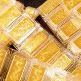 Giá vàng SJC tiếp tục lao dốc, mất mốc 37 triệu đồng/lượng