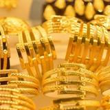 Giá vàng SJC chỉ còn đắt hơn thế giới 1 triệu đồng/lượng