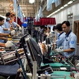 Transnational Electronics Companies Rush to Vietnam