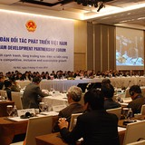Foreign Partners Urge Vietnam to Quicken Reforms