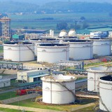 Russia Giant Drops Talks to Acquire Stake in Vietnam's 1st Oil Refinery