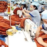 Asian Apparel Manufacturers Flock to Vietnam on TPP