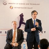 U.S. Investors and Businesses Are Very Excited about Vietnam: U.S. Diplomat