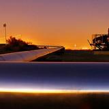 Giá dầu kết phiên tăng 3,8% nhưng không cứu được đà giảm trong tuần