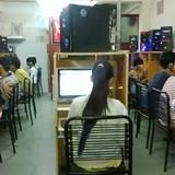 """Người Việt ngày càng """"nghiện"""" Internet"""