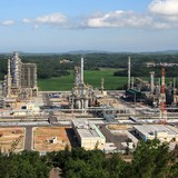 Vietnam Scraps $538 Million Oil Refinery Project on Delays