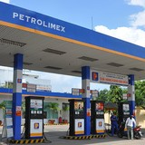 Vietnam's Top Fuel Trader Petrolimex to List Shares on April 21