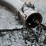 Giá dầu có chuỗi tuần giảm dài nhất kể từ 2015