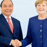 [Round-up] Vietnam PM Meets Germany Chancellor, Calls for Hi-tech Investment
