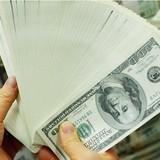 Đồng USD tiếp đà giảm do hàng loạt lo ngại bủa vây