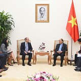 PM Nguyen Xuan Phuc Welcomes AB InBev to Invest in Vietnam