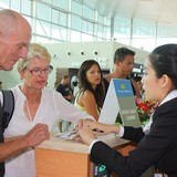 """Du khách ngoại sang Việt Nam ngày càng """"bạo chi"""" hơn"""