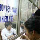 Tăng giá dịch vụ y tế: Người có thẻ bảo hiểm được lợi?