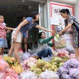 """Dân Sài Gòn """"giải cứu"""" hàng chục tấn nông sản"""