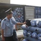 Ngăn chặn hàng lậu qua cảng Sài Gòn