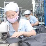 """Chuyển hướng nhập khẩu nguyên liệu dệt may: Giá rẻ """"bó chân"""""""