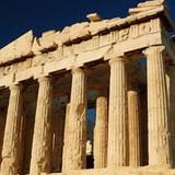 Điều gì đã khiến Hy Lạp ngày càng lún sâu vào khủng hoảng?