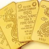 Giá vàng liên tục sụt giảm, có nên mua vào?