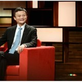 """Jack Ma: """"25 tuổi, cứ sai lầm thoải mái! Trên 40 thì đừng nhảy lung tung nữa!"""""""