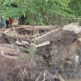 Hậu Giang: Bờ sông sạt lở trong đêm, nuốt chửng 3 căn nhà