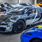 Bugatti Veyron crôm lạ mắt