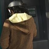 Ba người Bulgaria làm giả thẻ ATM trộm tiền tỷ