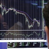 """Chứng khoán 24h: Thị trường tiếp tục lao dốc, doanh nghiệp muốn nới room """"gặp khó"""""""
