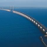 Vẻ đẹp ngỡ ngàng của cây cầu nối liền đường hầm dưới biển