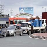 Sửa mặt đường cầu Mỹ Thuận làm kẹt xe hơn 3km