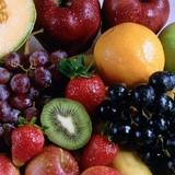 Bắt hơn nửa tấn hương liệu trái cây nhập lậu
